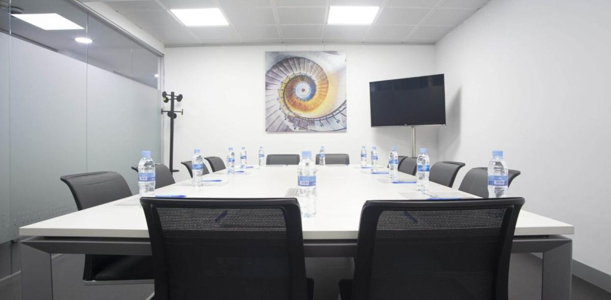 Sala de juntas para 12 personas